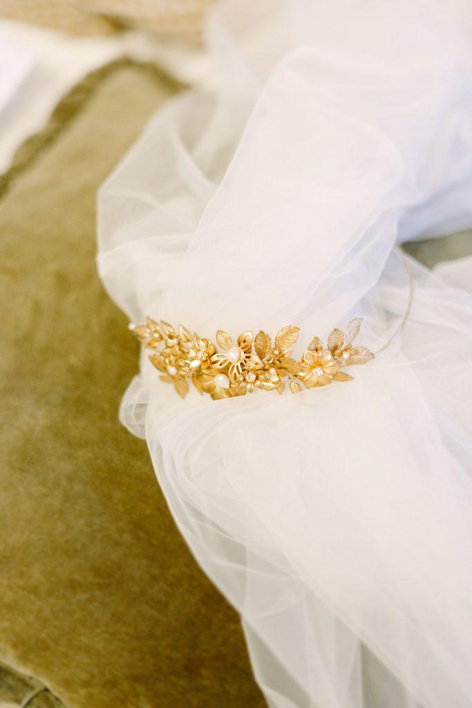 goldener Kopfschmuck für die Braut von Mignonne handmade