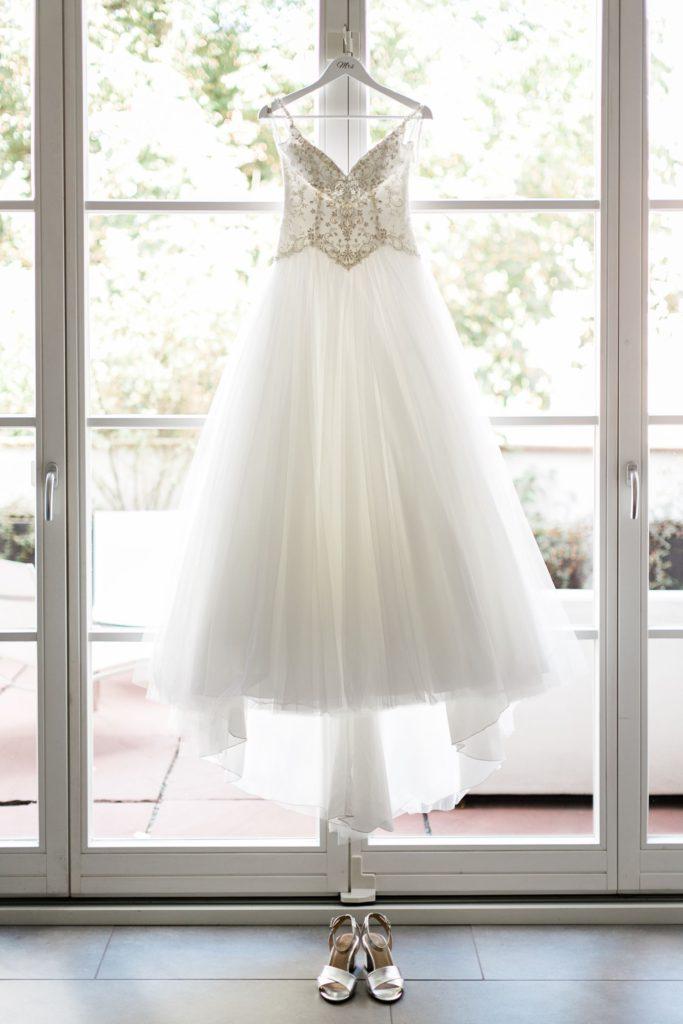 Hochzeitsreportage Aschaffenburg im Konventchen Getting ready Brautkleid