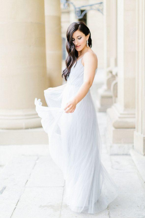 braut im pastell Kleid beim verlobungsshooting in Würzburg